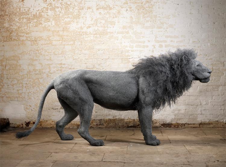 Realistische Drahtskulpturen von Kendra Haste