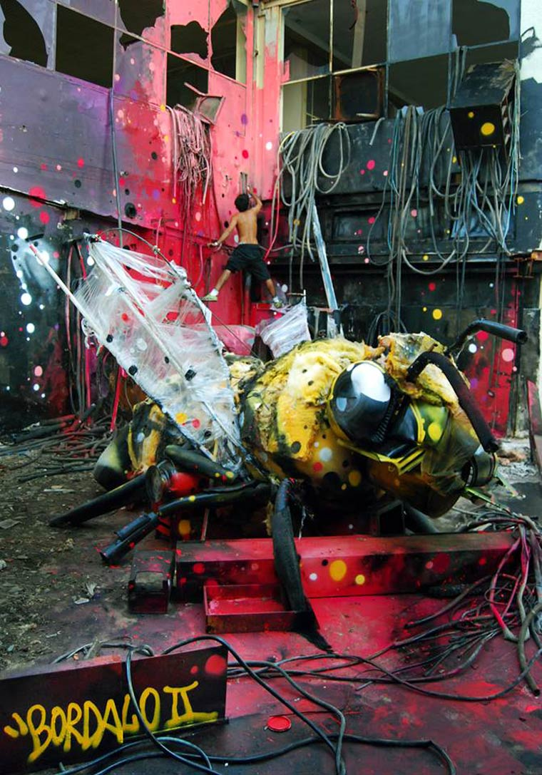 artur-bordalo-3d-trash-street-art-8