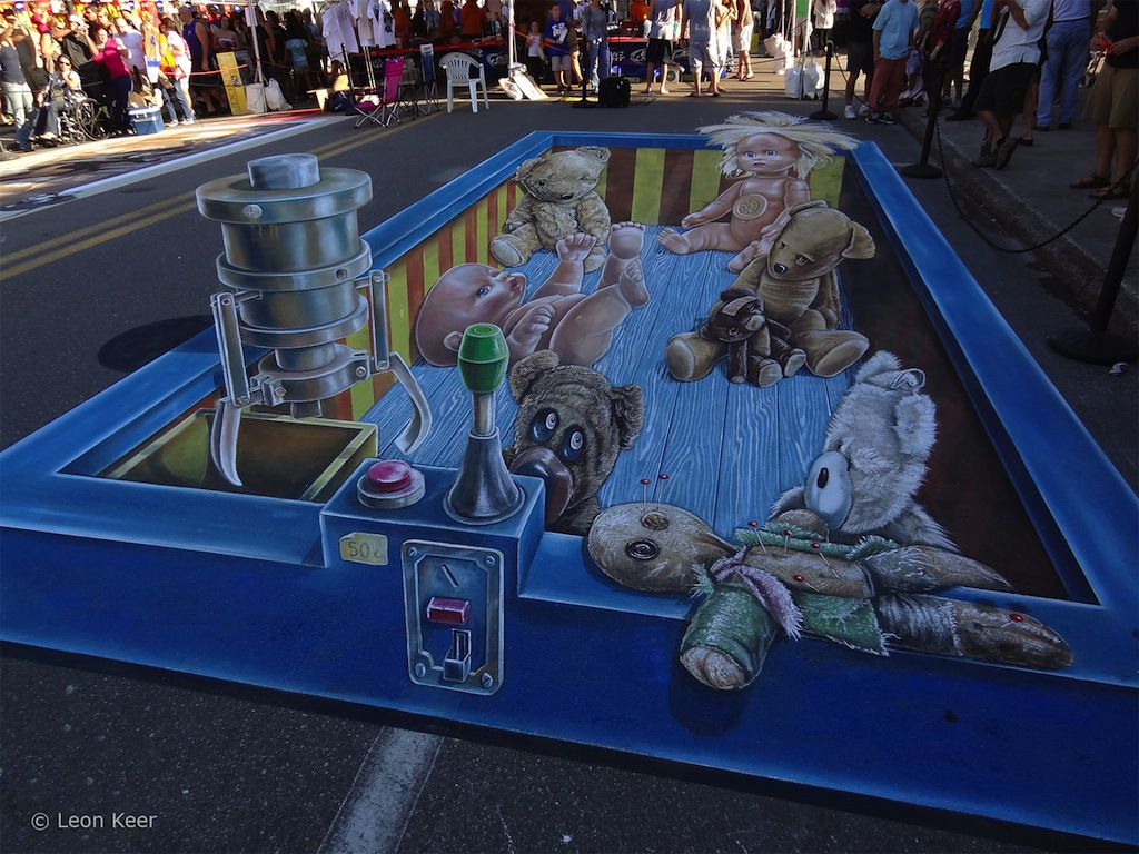3D-chalk-by-Leon-Keer-at-Chalk-Festival-in-Sarasota-Florida-1