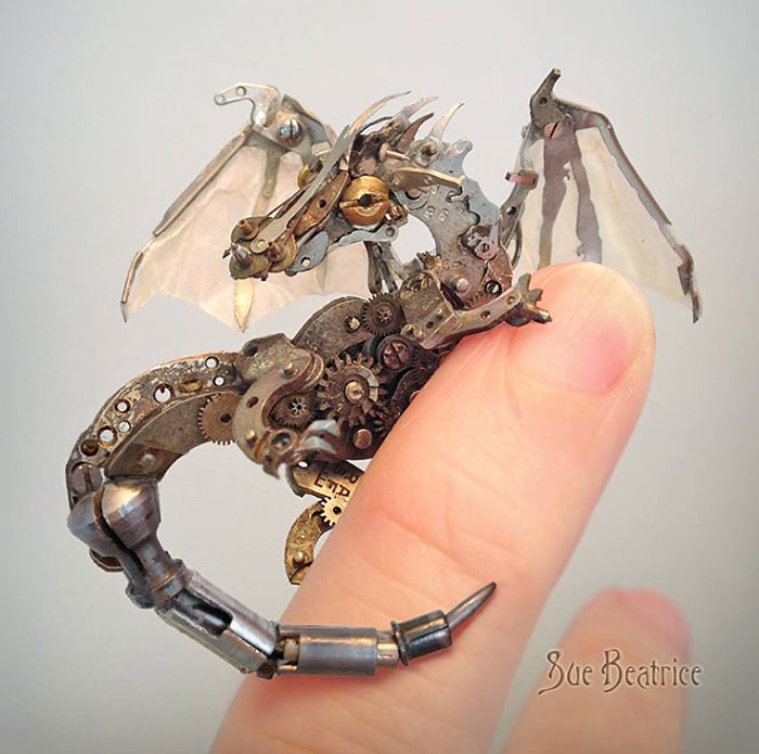 recycled-watch-parts-steampunk-sculptures-dragon