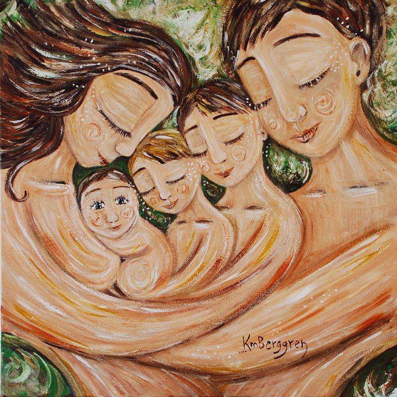 eine glückliche Familie_Eltern mit drei Kindern