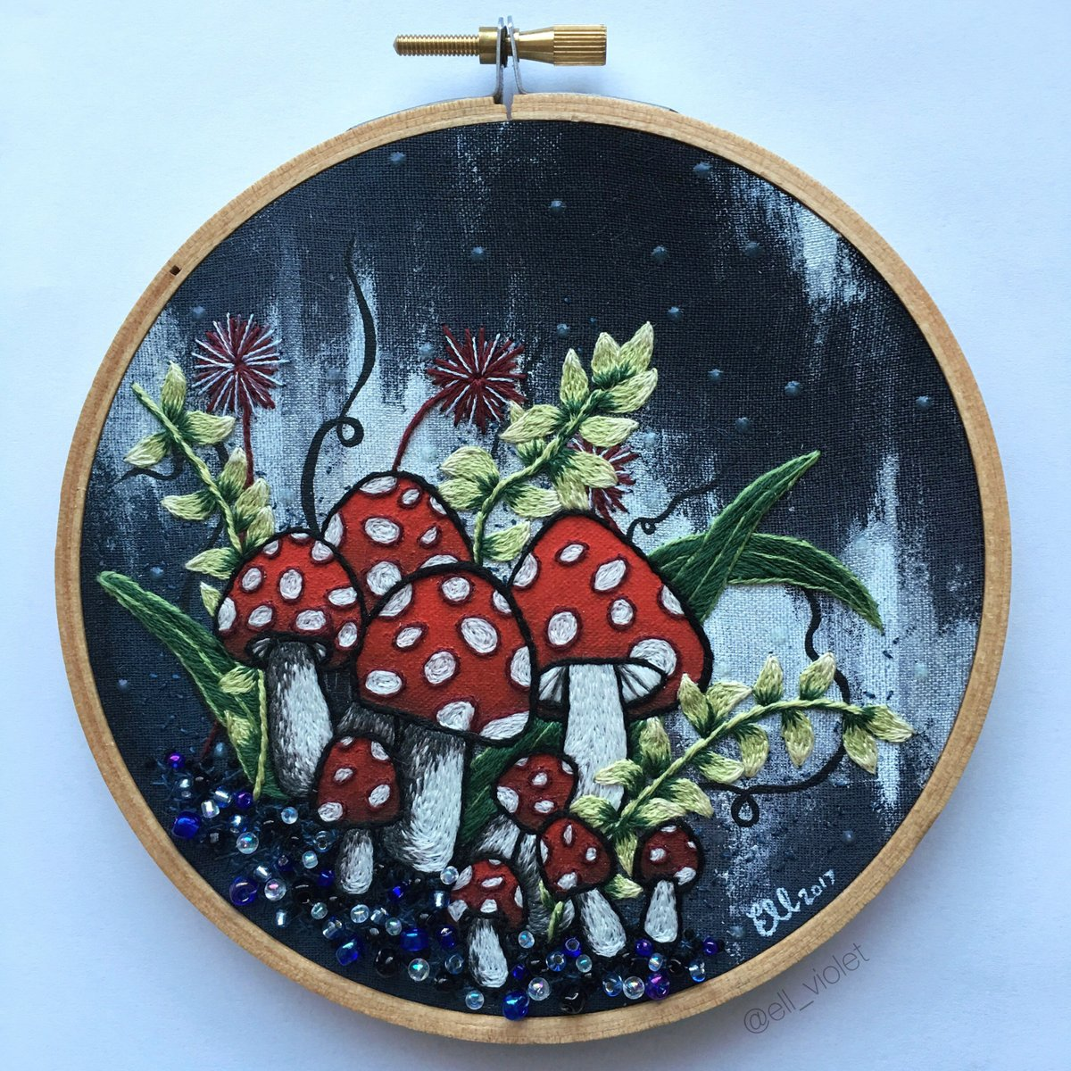 "Filigrane Stickerei von Ell Violet. ""Midnight Mushrooms"""