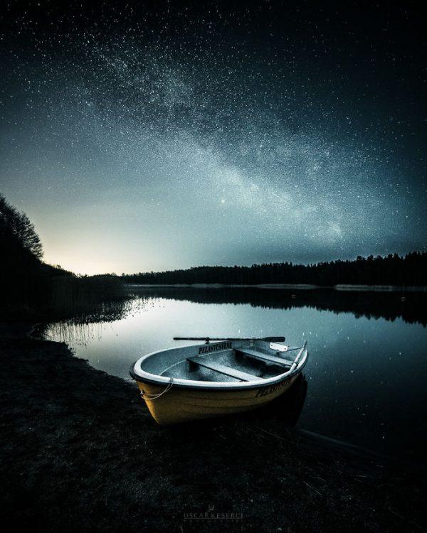 Malerische Landschaftsfotografien von Oscar Keserci_Nacht, See, Boot
