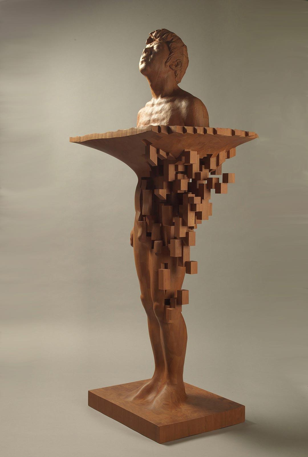 """""""Pixelations"""" - imposante Holzskulpturen von Hsu Tung Han"""